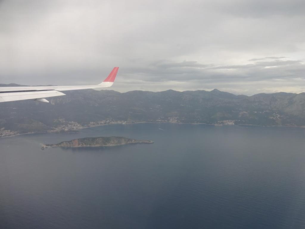 самолет черногория