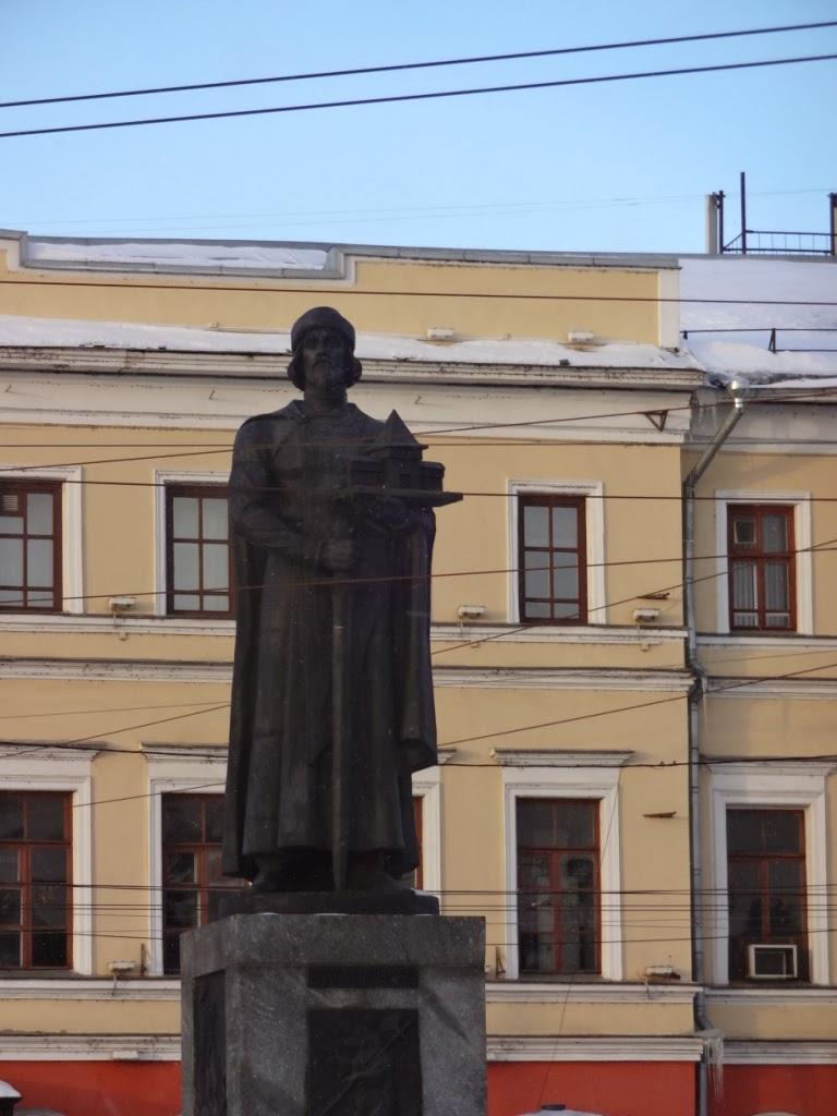 Памятник основателю города Ярославль