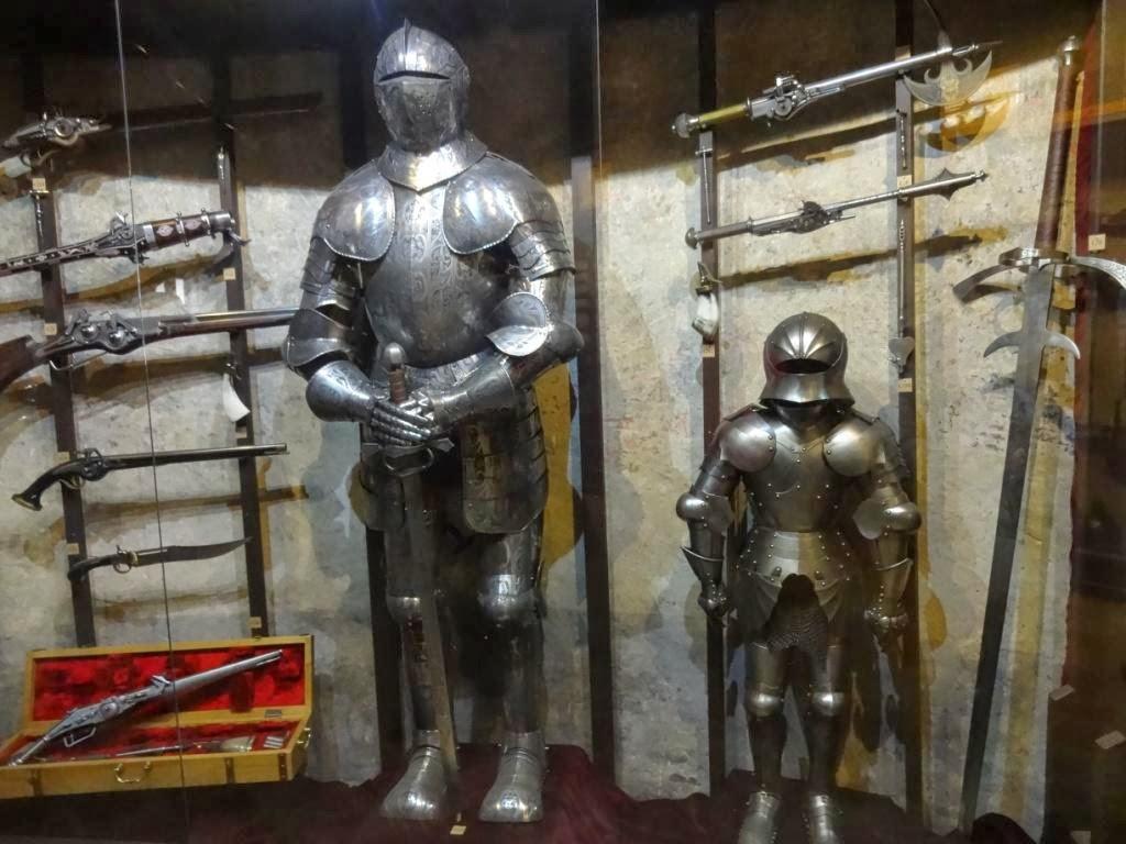 выставка оружия и рыцарских доспехов