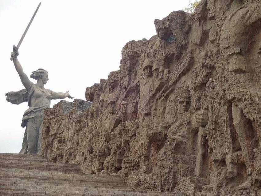 стены-руины Волгоград