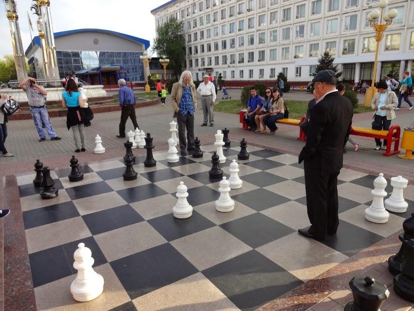 шахматное поле в Элисте
