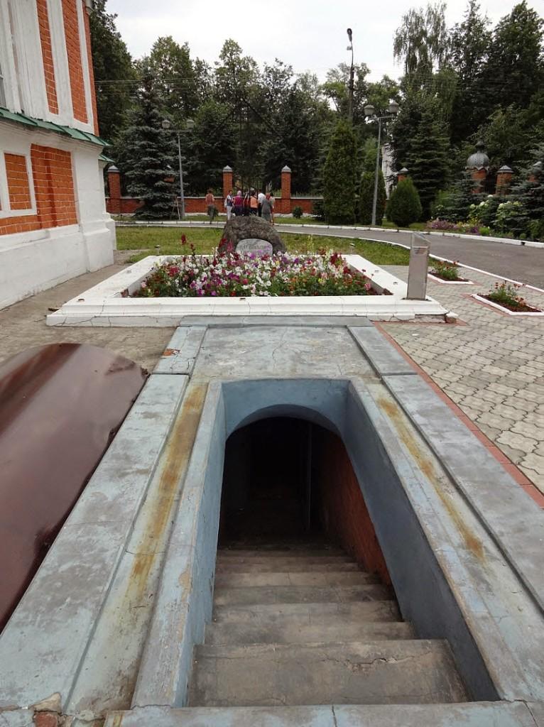 Михайло-Архангельская церковь склеп Шереметева
