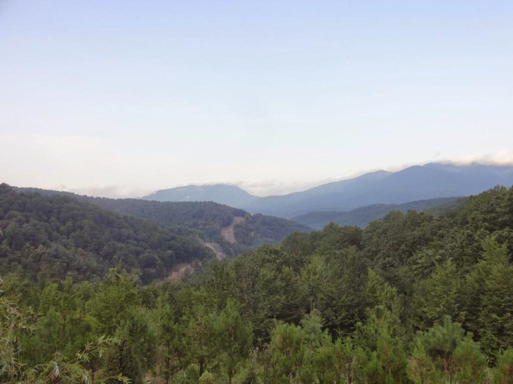 горы около шаумяна