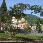 Новый Афон за 1 день (август 2014). Крупнейшая пещера Абхазии, монастырь и заброшенная ж/д станция.