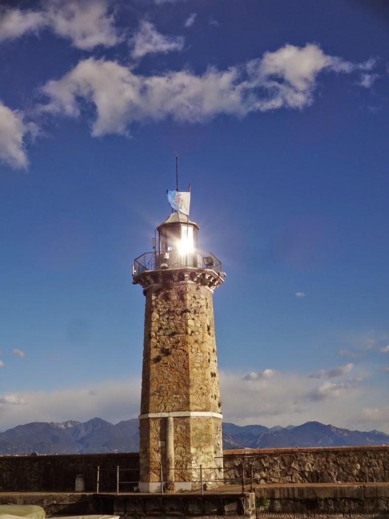Дезенцано дель гарда маяк