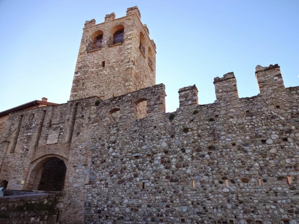 замок в Дезенцано дель гарда