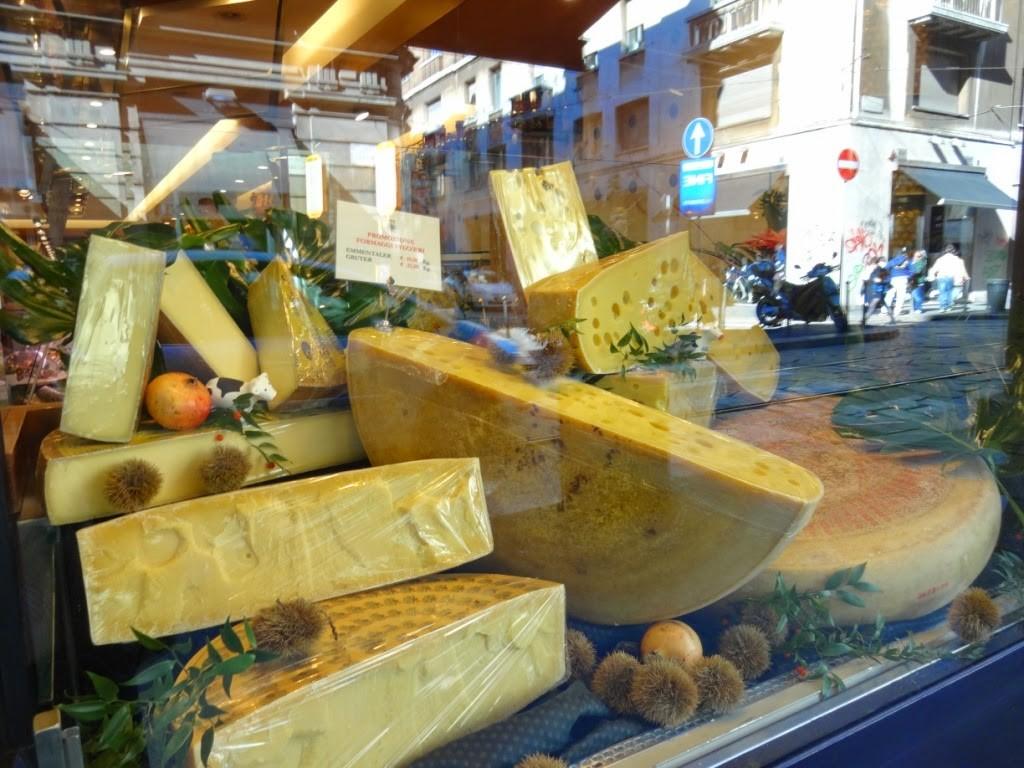 витрина сыр италия