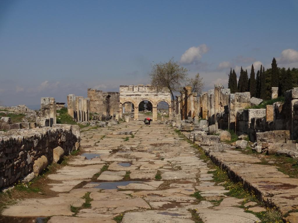 центральная улица иераполиса