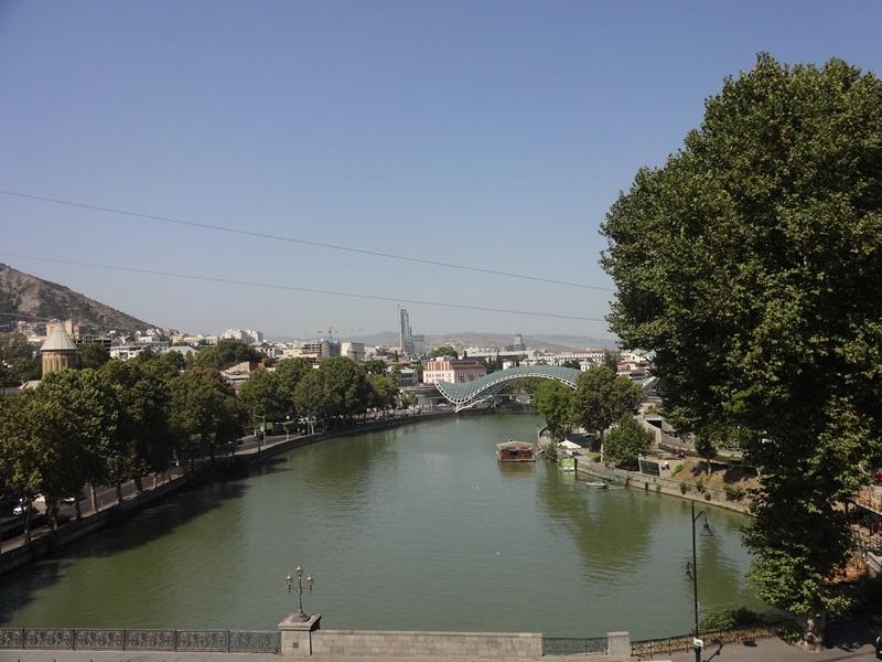 стеклянный мост тбилиси