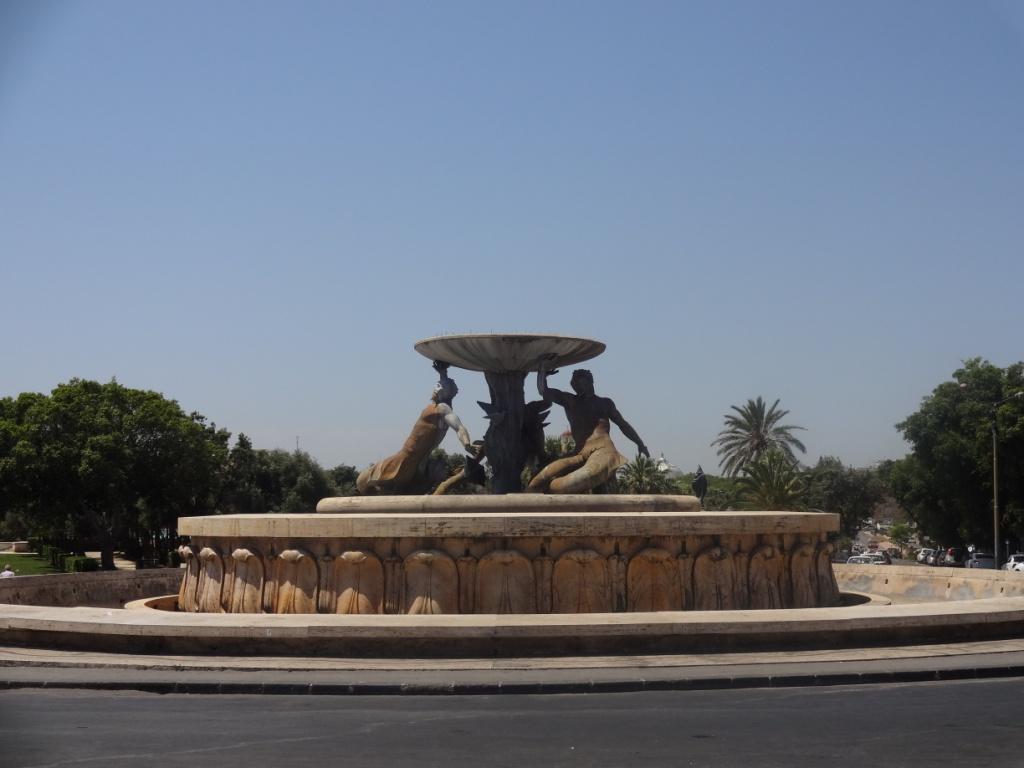 фонтан с тритонами валетта