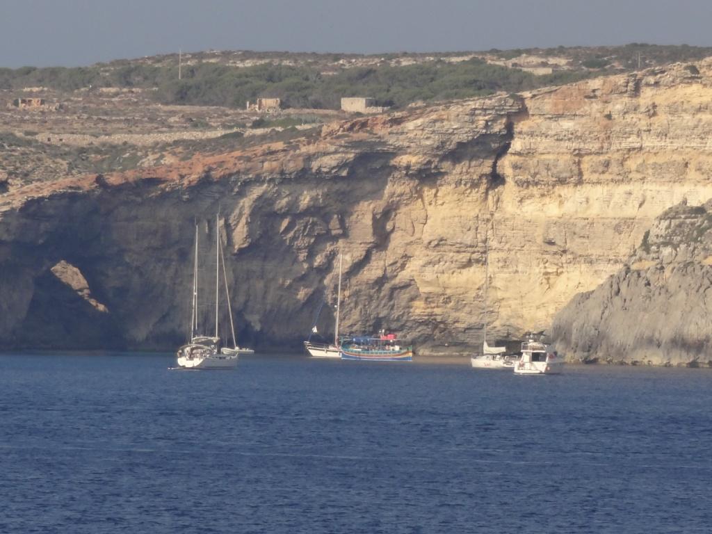 Мальта Комино Голубая бухта