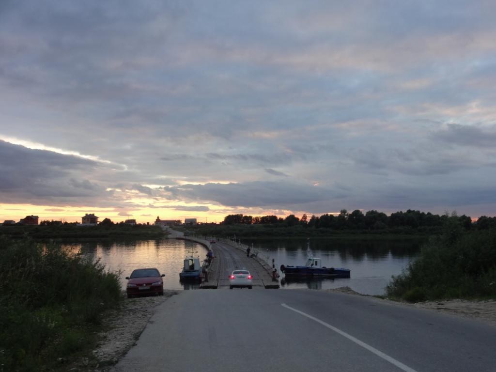 понтонный мост через Оку