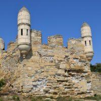 Крепость Ени-Кале и песочный пляж Керчи