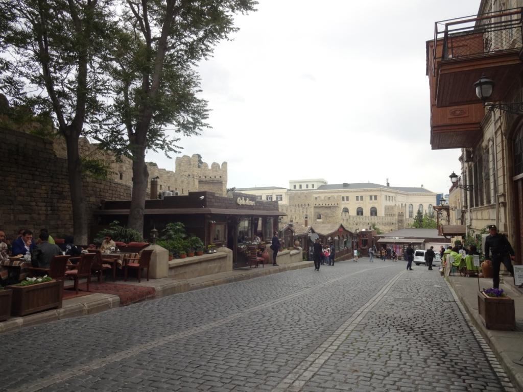 улицы старого город баку