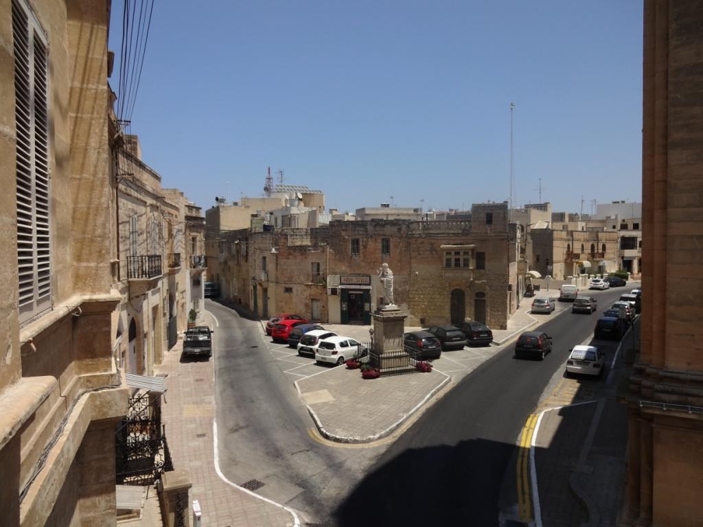 типичная мальтийская улица