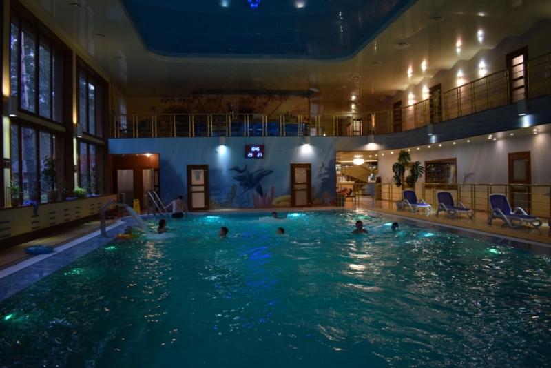 загородный клуб велес боулинг бассейн