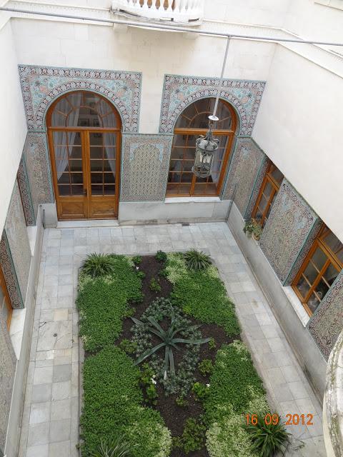 Арабский дворик. Вид сверху.