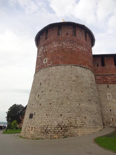 Коромысловая башня