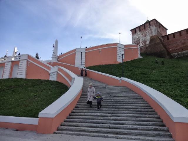 Борисоглебская башня и Чкаловская лестница