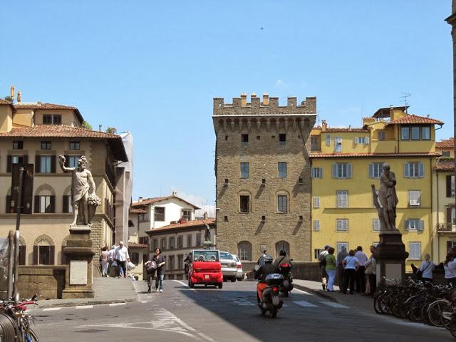 улица и мост
