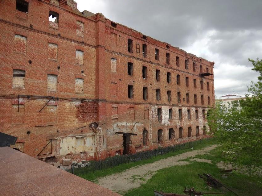 разрушенное здание мельницы волгоград