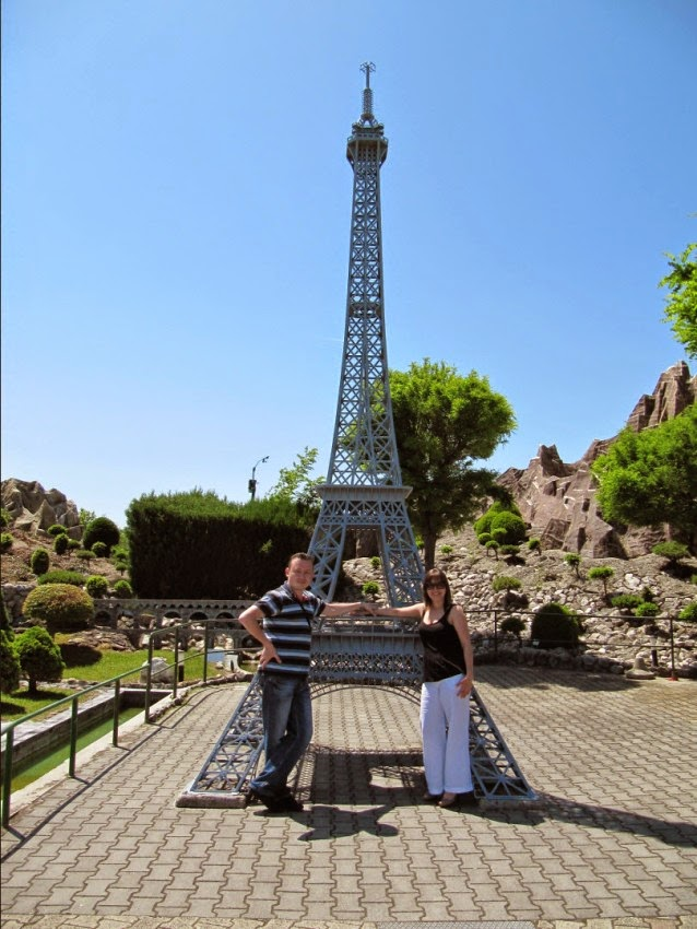 эйфелева башня в миниатюре
