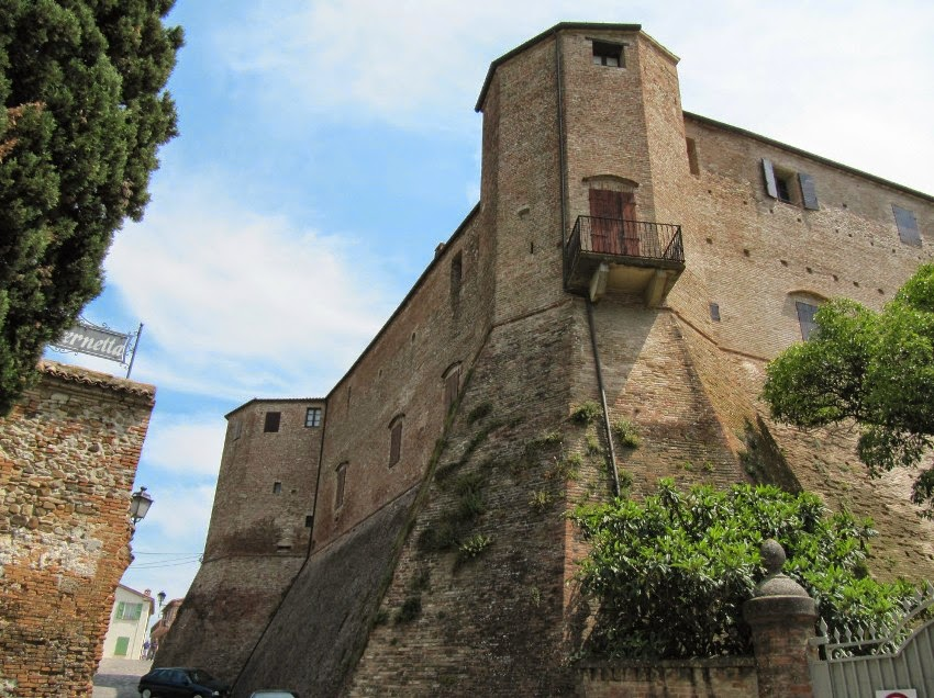 замок Сигизмондо Сантарканджело