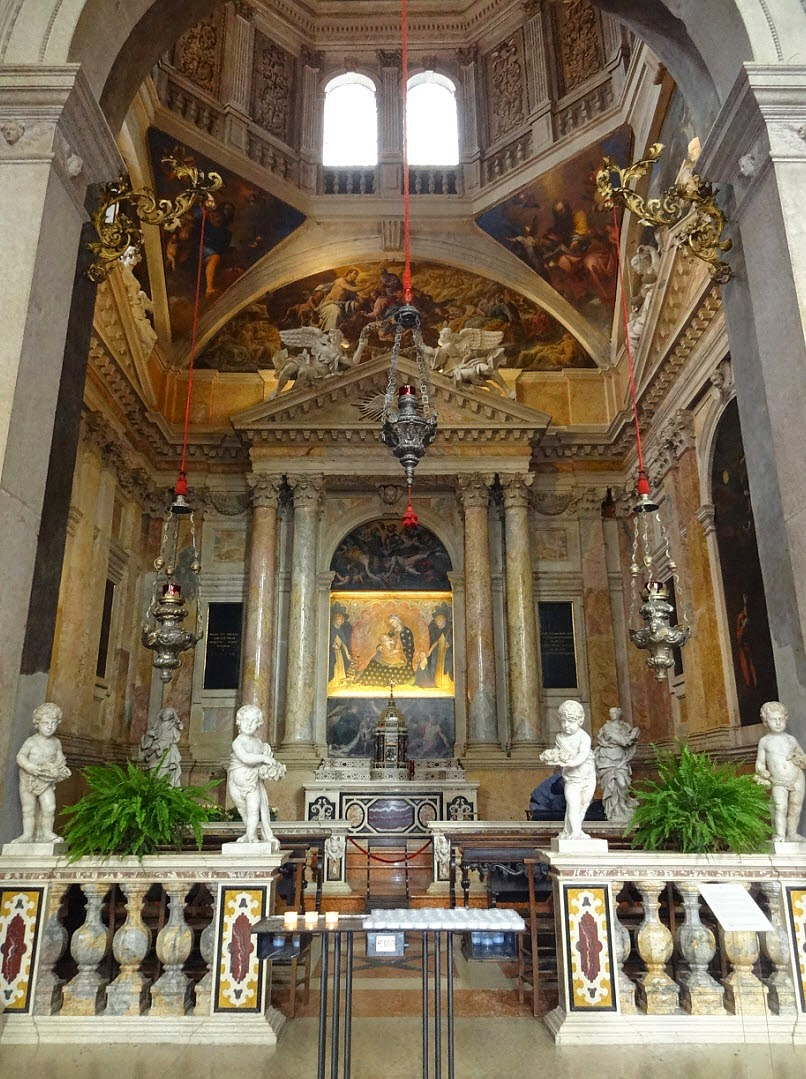 церковь анастасии верона внутри