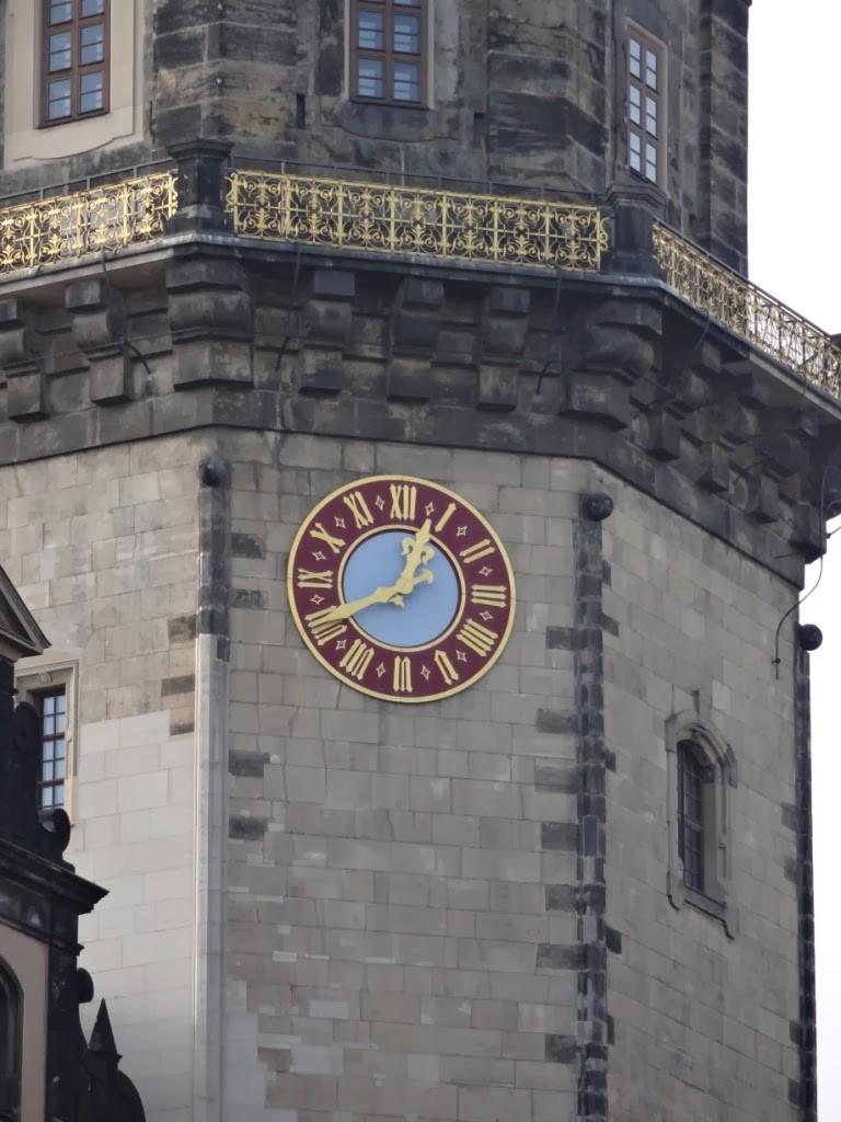 дрезден часы на колокольне