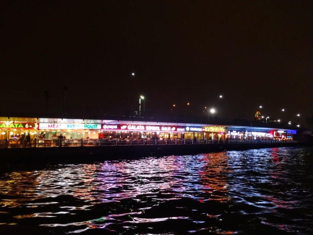 галатский мост ночью