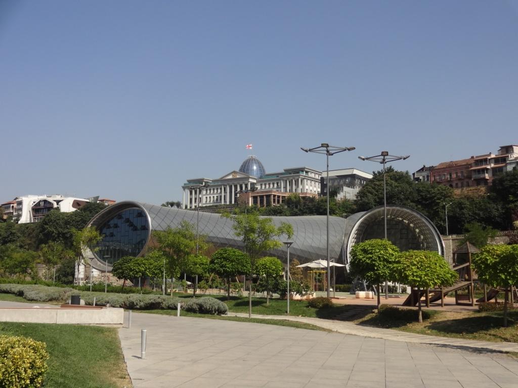 музей труба в тбилиси