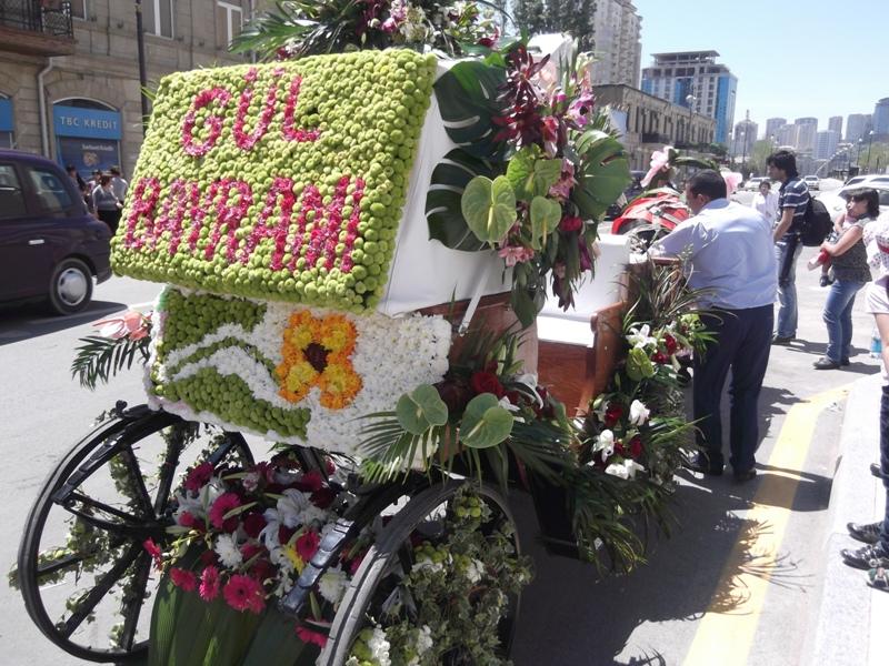 праздник цветов баку 10 мая