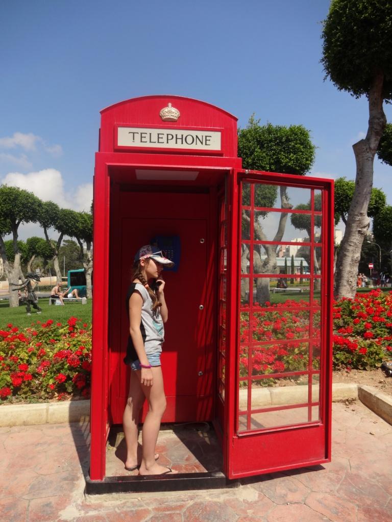красные телефонные будки мальта