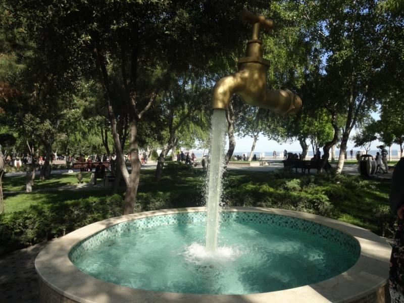 фонтан кран в воздухе