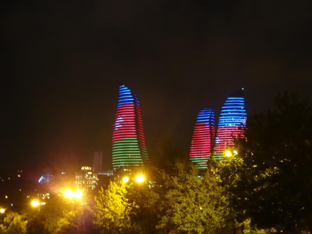 пламенеющие башни баку