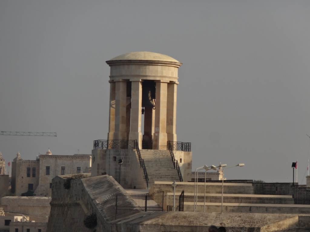 колокол осады в валетте