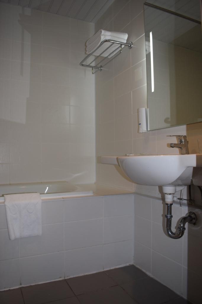 стандартный номер в сочи парк отель ванная
