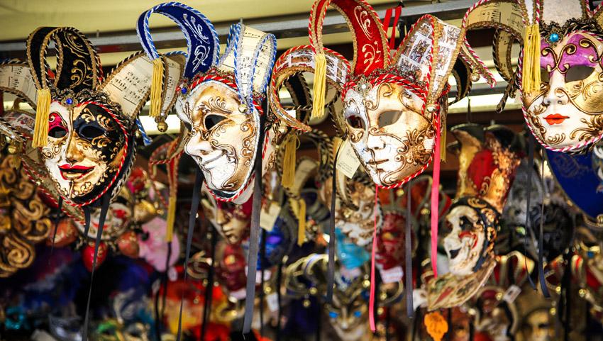 карнавальные маски в венеции